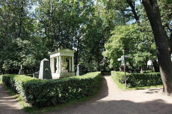 tikhvin-cemetery