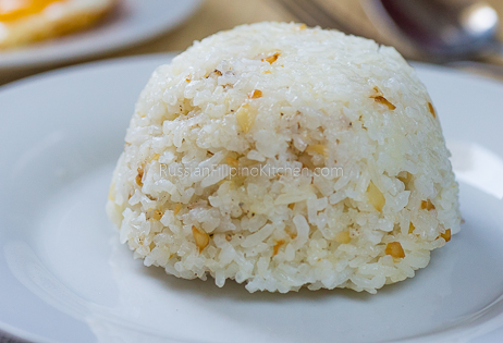 Filipino Garlic Fried Rice (Sinangag) 11