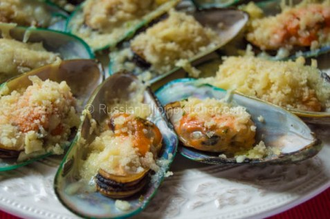 Baked Mussels With Cheesy Garlic Butter Topping 15