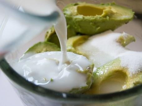 Filipino Avocado Milkshake 04