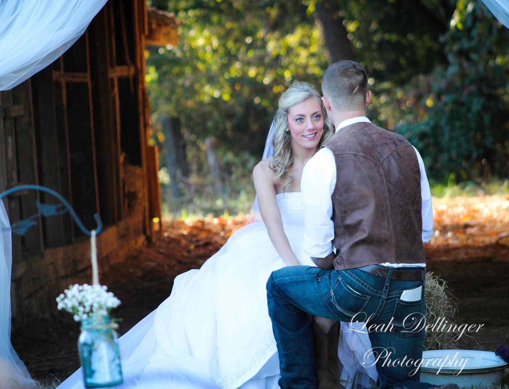 The FarmHouse Siloam Rustic Bride Barn Wedding Venues