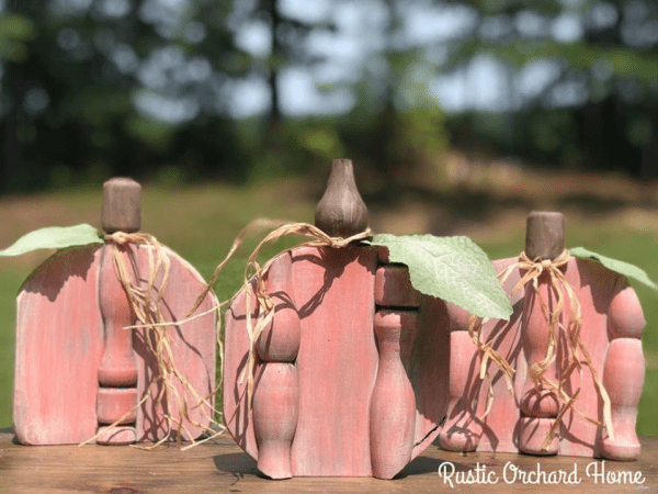 Porcelain Doll Pink Paint Technique for all your farmhouse home decor! #rusticorchardhome #pumpkincraft #fallcraft #dixiebelle #DIYhomedecor