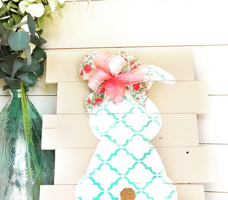 Making your own Easter Decorations for the home is so easy with this Easter Bunny Craft from Tammy at Rustic Orchard Home! This budget-friendly DIY project is perfect for your Spring Farmhouse! Get the tutorial on the blog now! #rusticorchardhome #springhomedecor #easterbunny #eastercraft #easterhomedecor