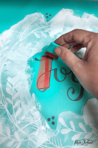 Learn how to create adorable DIY Christmas decor using the Chalk Couture Holiday Joy Transfer! #rusticorchardhome #chalkcouture #holidayjoytransfer #christmascraft #diychristmasdecor