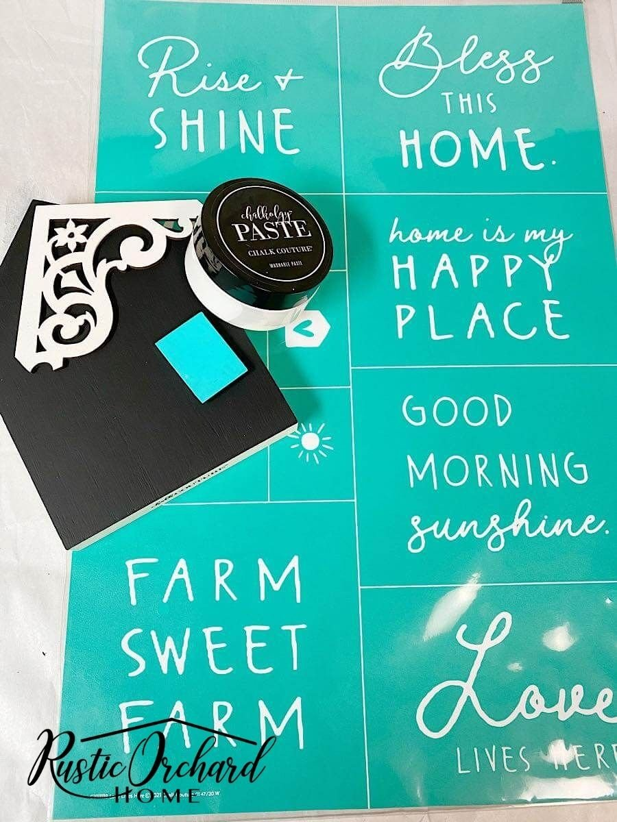 """Create DIY décor with the """"Love Lives Here"""" Transfer from Chalk Couture."""