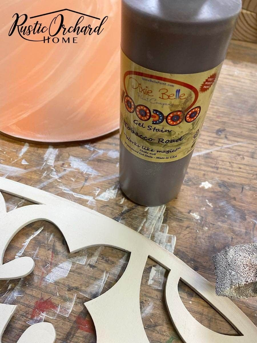 Learn how to create two unique hand painted pumpkin door hangers just in time for Fall.