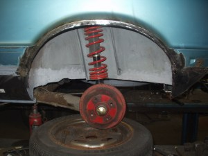 new wheel arch lip. LH shown.
