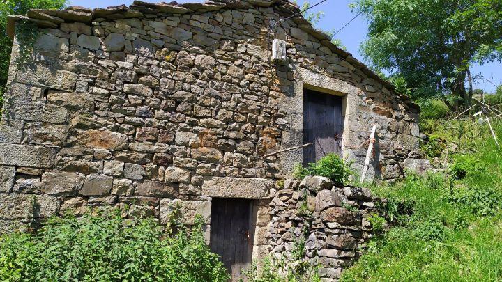 2 CABAÑAS  PASIEGAS INDEPENDIENTES EN SAN PEDRO DEL ROMERAL, CANTABRIA. Ref 2411 V
