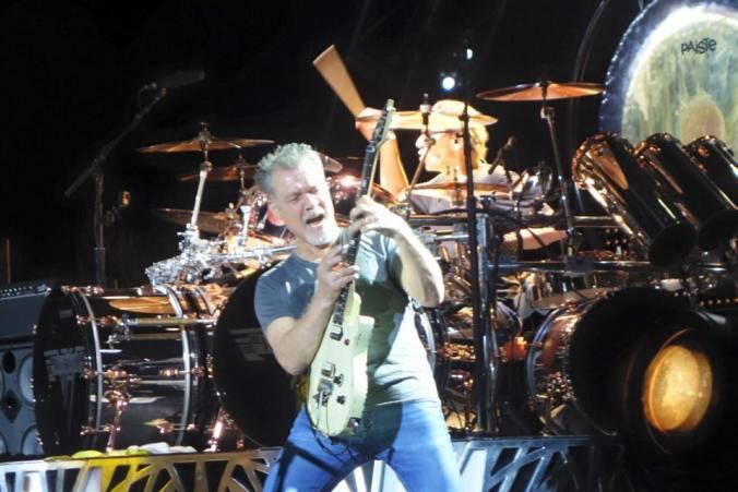 Van_Halen_Camden_New_Jersey_2015_49