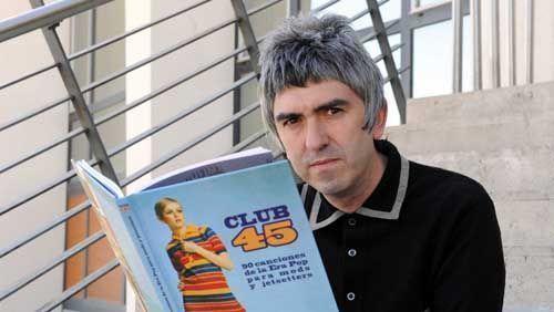 """Valladolid, 20/5/2010. Alex Cooper presentando su libro """"Club 45"""". Foto Ricardo Otazo."""