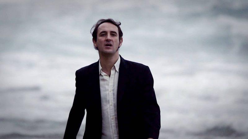 Igor Paskual se convierte en un Jóker contra el pin parental en su nuevo videoclip