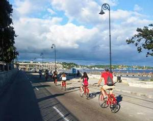 riding bikes in malecon old havana