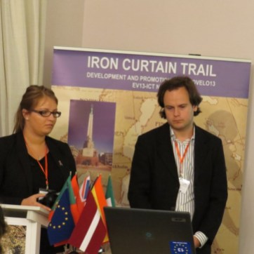 Anna Kupce y Janis Sijats de la Asociación de Vías Verdes de Latvia