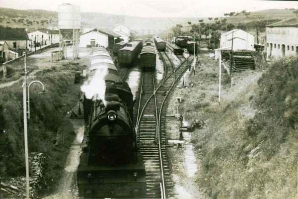 Tren saliendo de Plasencia direccion Astorga