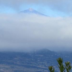 El Teide tras las nubes