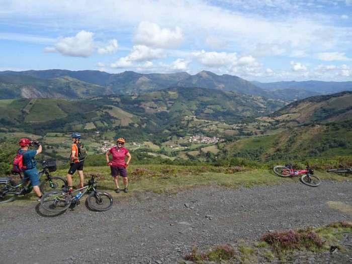 Viaje en bici Valle del Baztán en bici
