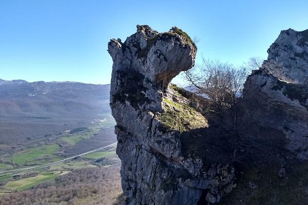 Iruaitzeta- Roca con forma de perro