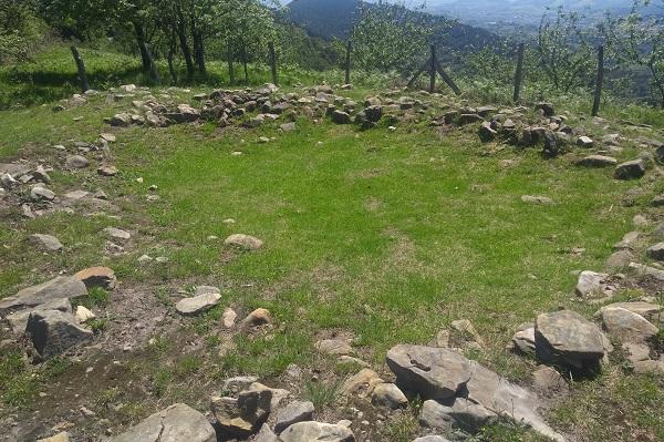 Túmulo en la cima de Tontortxiki