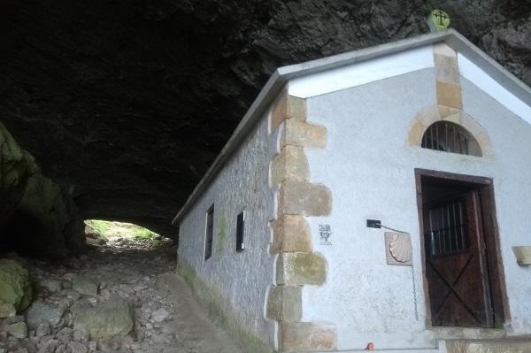Ermita de San Adrián y salida del túnel