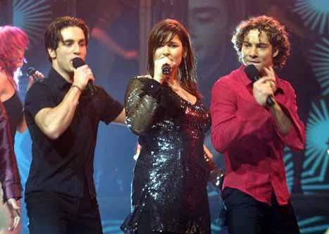 Rosa cantando en Eurovision
