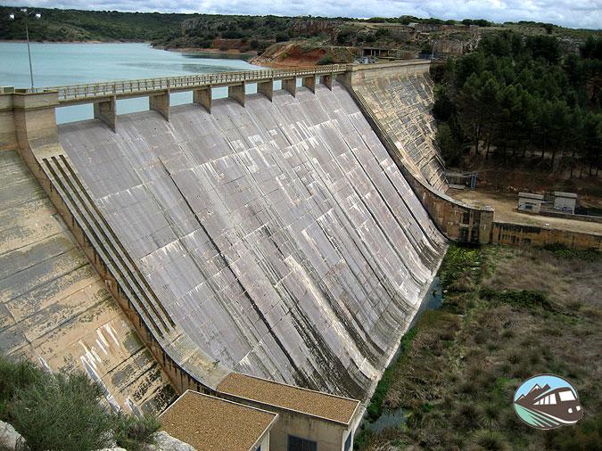 Presa junto al Castillo de Pañarroya - Las Lagunas de Ruidera