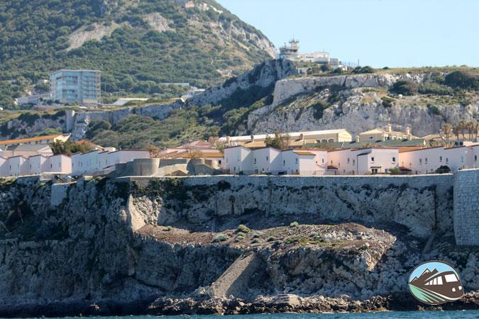 Gibraltar desde el mar – Línea de la Concepción