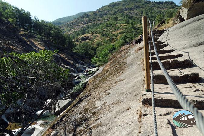 Escalinatas - Los Pilones