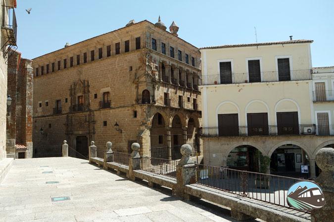 Palacio de los Duques de San Carlos - Trujillo