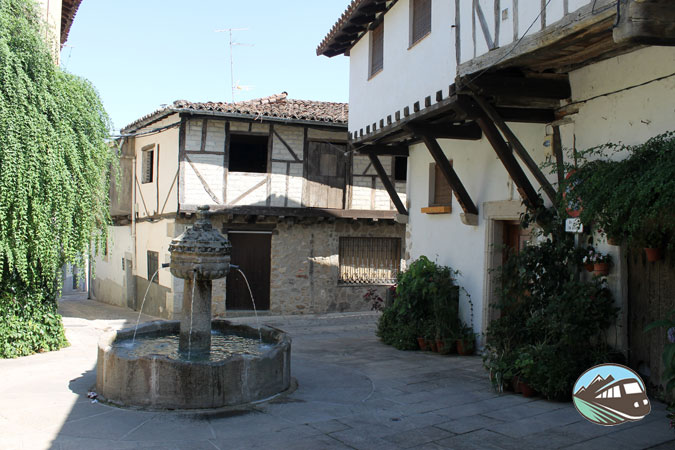 Plaza de la Fuente de los Chorros – Cuaco de Yuste