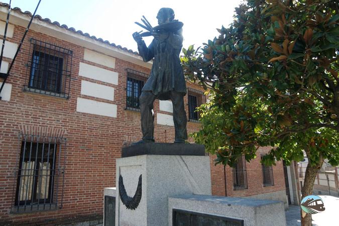 Monumento a Jesús Casas Gómez