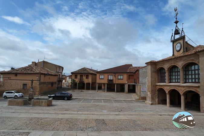 Plaza Mayor de Morón de Almazan