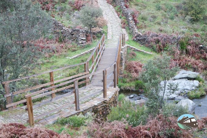 Puente de madera - Chorritero de Ovejuela