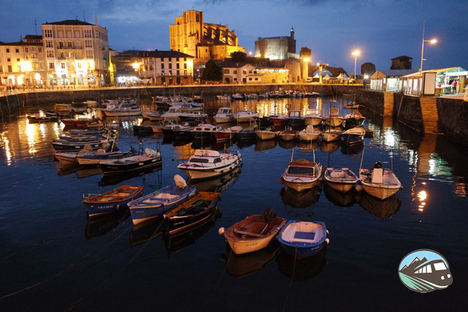 Puerto de Castro Urdiales de noche