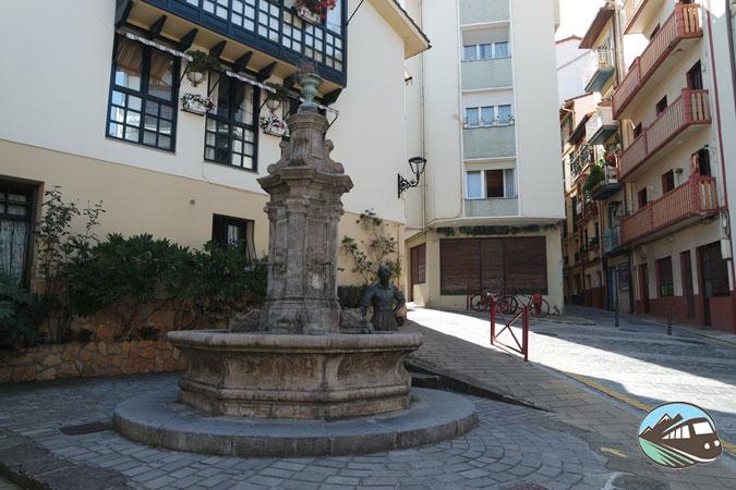 Plaza de San Juan Iturri - Zumaia