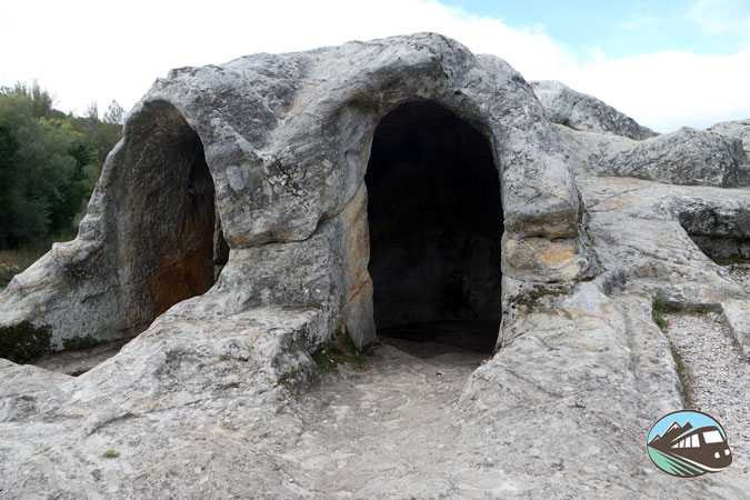 Iglesia rupestre de San Vicente - Montaña Palentina