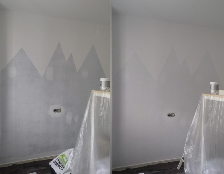 figuras geometricas en la pared de la habitación de los peques