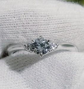 婚約指輪 エンゲージリング(Vライン)