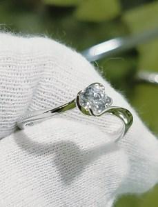 婚約指輪 エンゲージリング(花座タイプ)