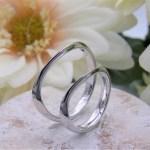 結婚指輪 エッジの利いたリング