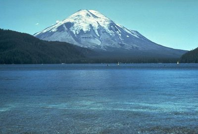 800px-st_helens_before_1980_eruption