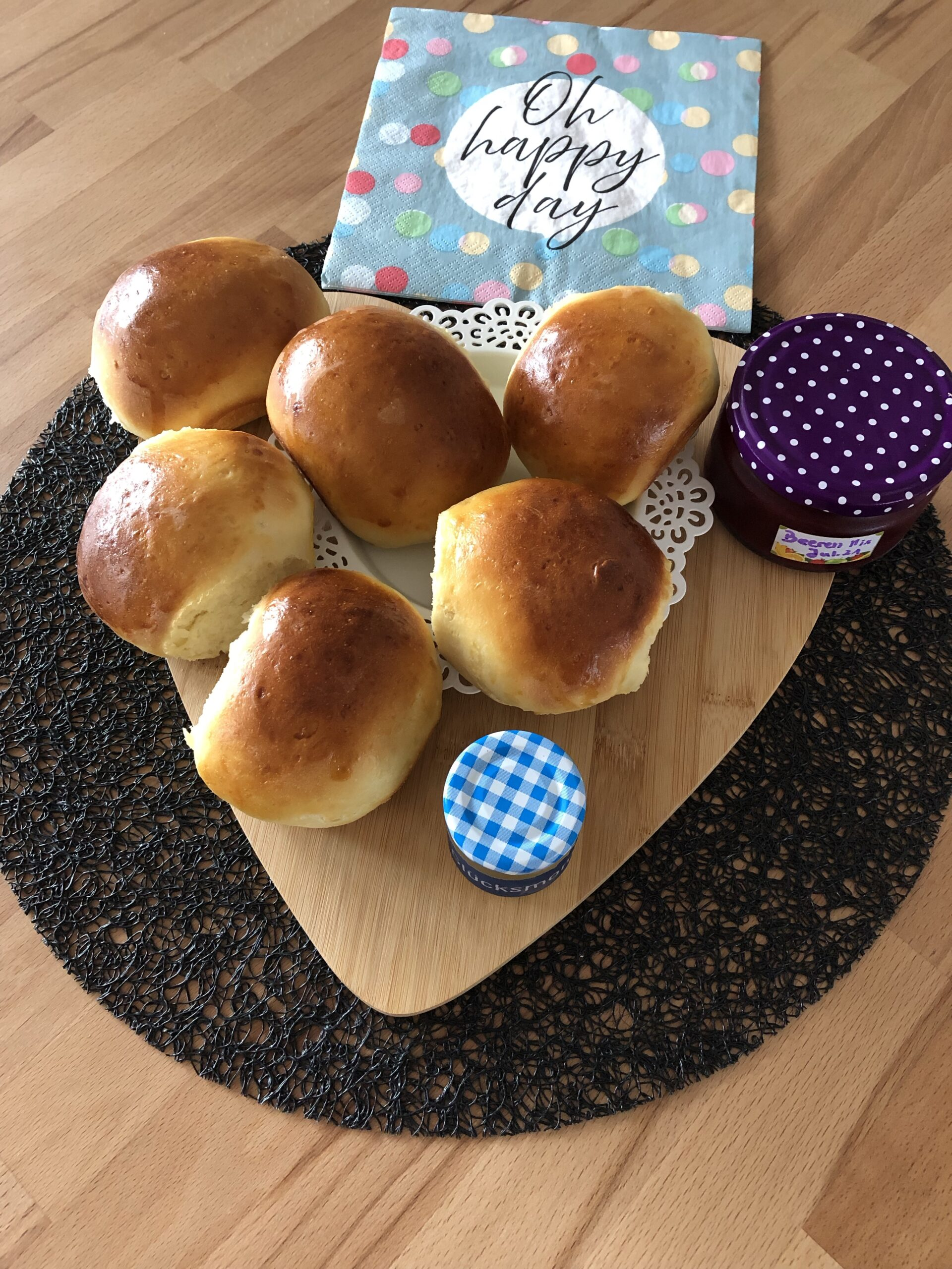 Read more about the article Milchbrötchen mit Trockenhefe