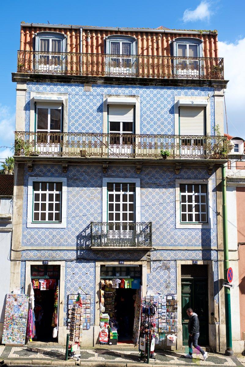 Lisbon-Alfama-Portugal-RCH_2103