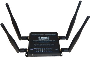 The cellular-integrated MoFi 4500 models feature two Wi-Fi and two cellular antennas.