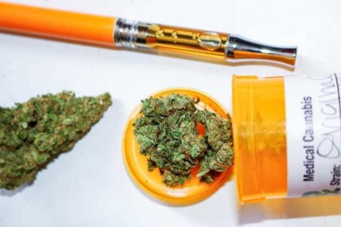 cannabis, Crohn's, IBD, medical cannabis appetite, pain, inflammation, anti-inflammatory, CBD, THC, Kentucky, pain,
