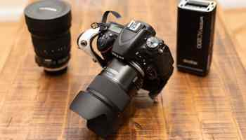 Tamron 35mm f1.4 Side View -