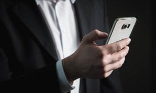 5 Android smartphonů, které mají natrhnout triko iPhonům
