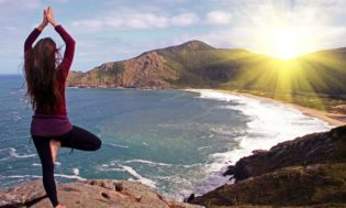yoga-sunrise-meditation