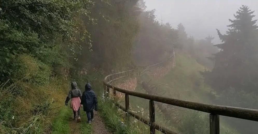 Una delicata pioggerella e una fascinosa nebbia