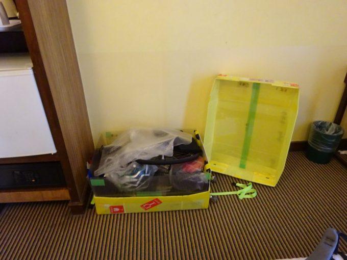 クアラルンプールホテルで自転車の組み立て