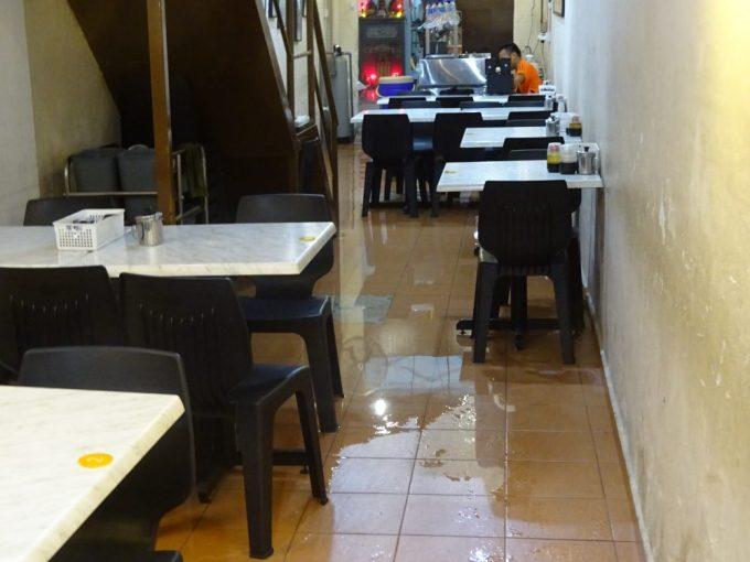 レストラン浸水
